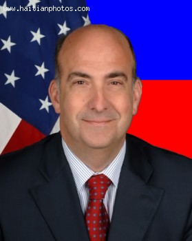 US Ambassador Kenneth Merten to support PNH and judiciary