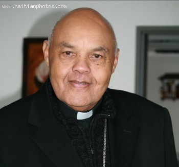 Bishop Louis Kébreau wants Martelly to put Sweet Micky pants on