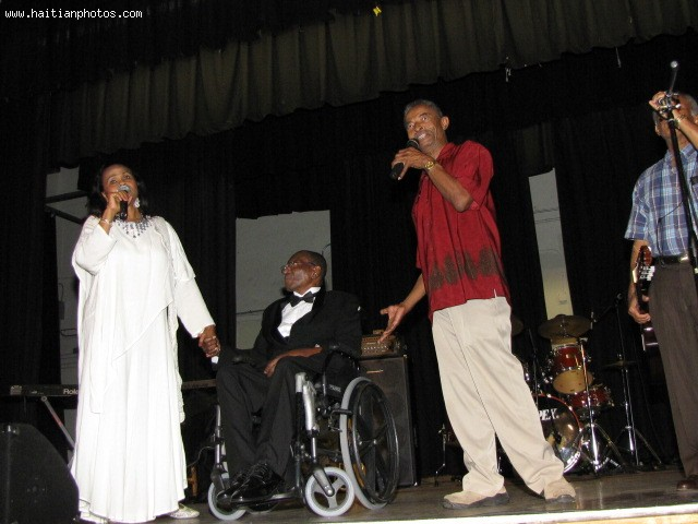 Fara Juste, The Singer