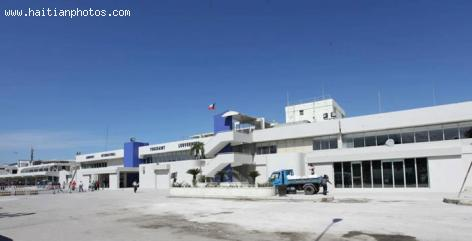 Facelift to Toussaint Louverture Airport