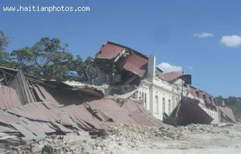 Casernes Dessalines - Haiti Earthquake - January 12, 2010