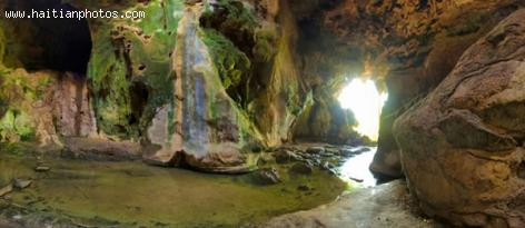 Caves around Bassin Zim