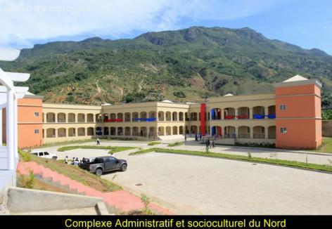 Complexe Administratif et socioculturel Nord in Vaudreuil