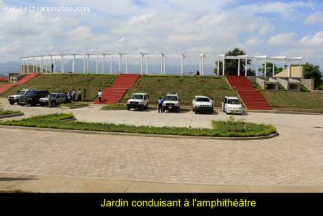 Jardin or Garden l'amphitheatre in Vaudreuil
