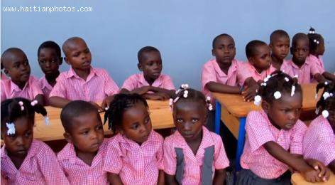 Children in school in Boucan Carre