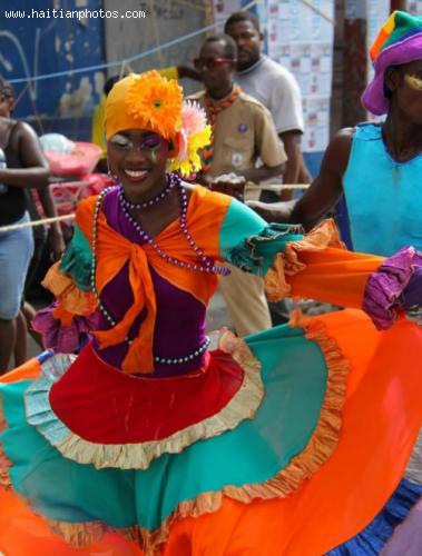 Carnaval des Fleurs in Haiti, Se La Pou La