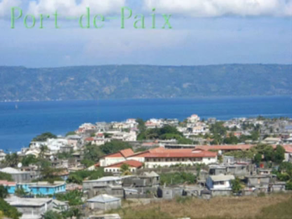 Port-de-Paix Transports Tourists by Ferry and Air