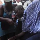 Senatè Moïse Pran Gaz nan manifestasyon kont gouvenman Martelly
