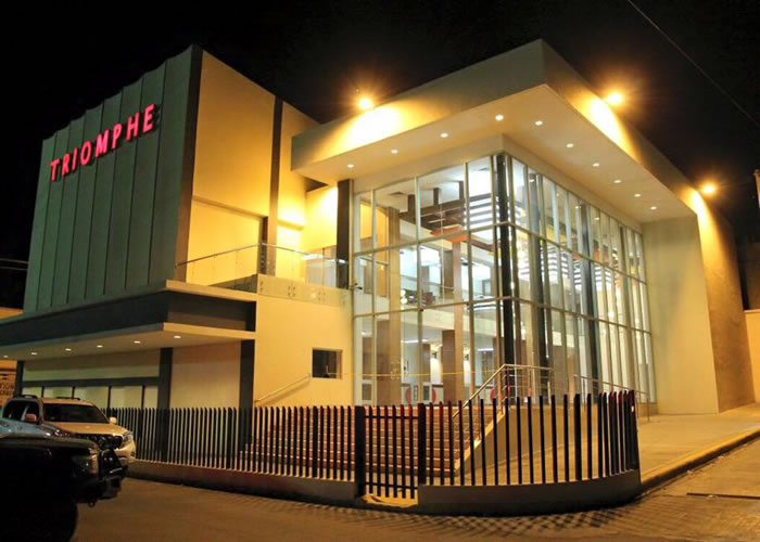 Newly renovated Cine TRIOMPHE vandalized by Anti Martelly protesters