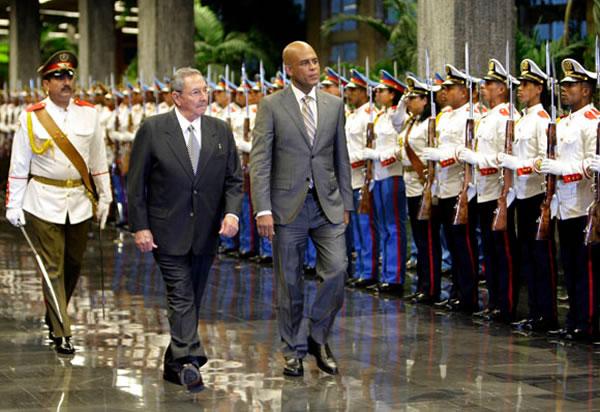 Haiti's Michel Martelly, Cuba's Raul Castro Meet in Havana