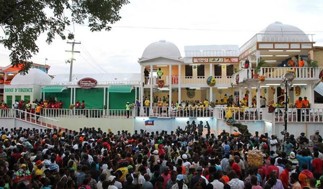 Haitian Kanaval fanenjoying Kanaval 2015
