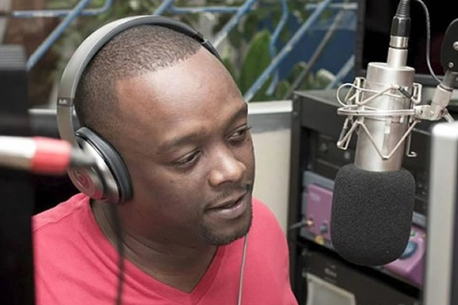 Carel Pedre on radio show Chokarella