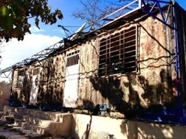 Population set fire to customs building in Anse-à-Pitres
