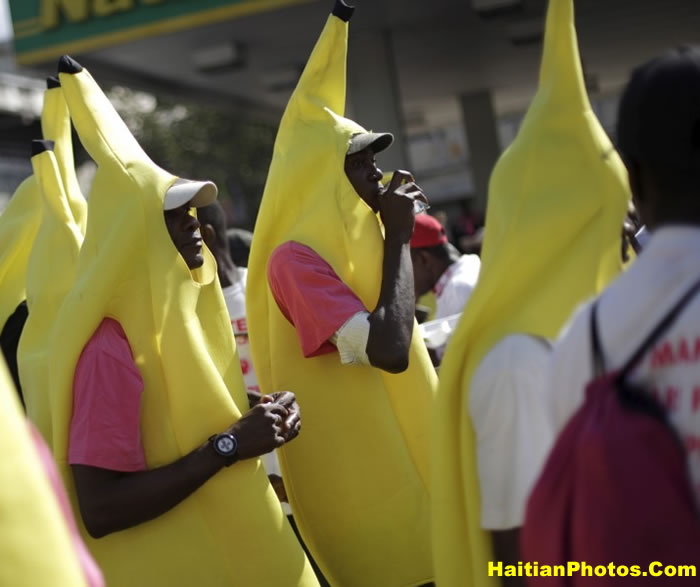 Jovenel Moise's Supporters dressed in banana
